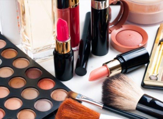 Usa, trovato amianto nei cosmetici. Avviso Fda ai consumatori, 4 prodotti sotto accusa