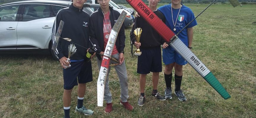 Samuele Vassallo e Federico Vassallo conquistano il 1° e 2° posto nella terza gara del Campionato italiano F1A Veleggiatori di Rocca di Mezzo