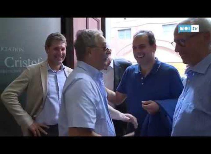Il senatore Andrea Marcucci in visita alla mostra di Foto Alcide