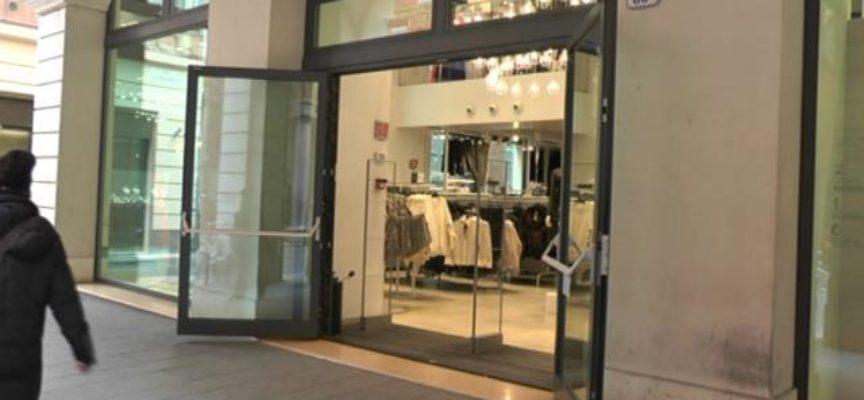 Ambiente: stop a porte negozi spalancate, passa mozione Sì-Toscana a sinistra