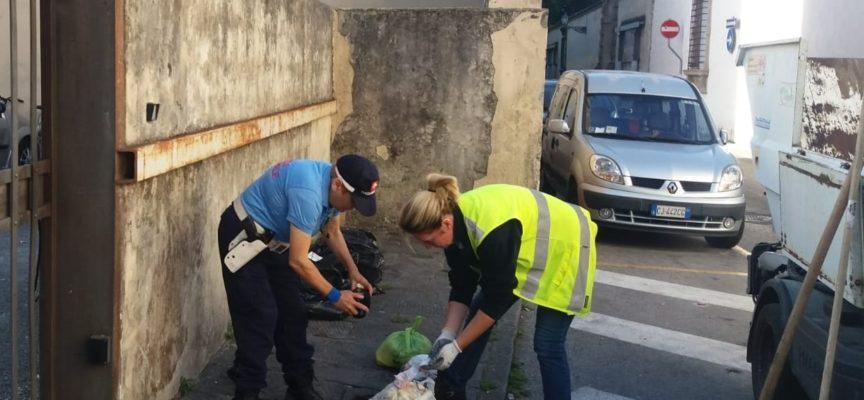 Rifiuti: individuato l'autore di un abbandono in via Santa Chiara