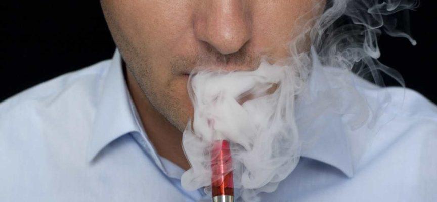 Trump vuole vietare le sigarette elettroniche: negli USA avrebbero già causato 6 morti