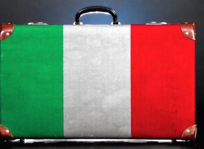 129mila italiani fuggiti dal Paese nel solo 2018: ma a nessuno conviene parlarne
