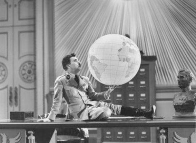 """il 15 ottobre del 1940 esce nelle sale """"Il grande dittatore"""" di Charlie Chaplin."""
