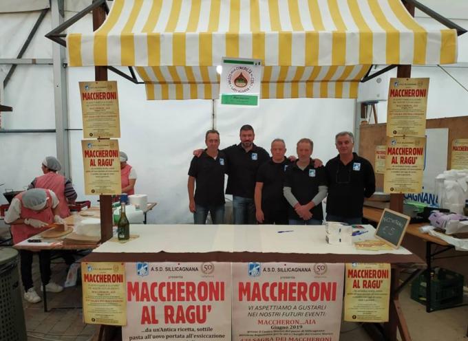 LOCAL STREET FOOD di Garfagnana Terra Unica gli amici di Associazione Sportiva Sillicagnana (ASD Sillicagnana) con i loro MACCHERONI .