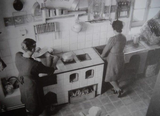 Domenica: fin dal mattino, c'e gran da fare, in cucina..