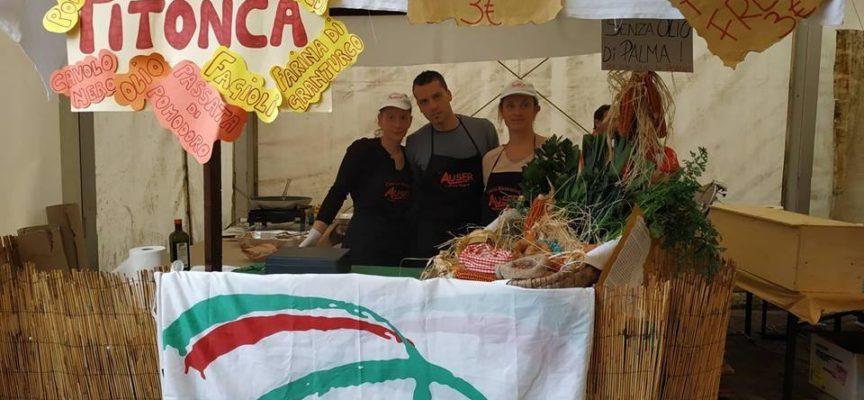 Auser Vallico Sopra al LOCAL STREET FOOD di Garfagnana Terra Unica con il piatto più misterioso di tutti : la PITONCA .