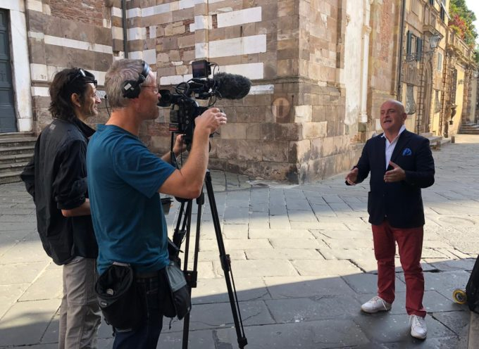 ANDREA COLOMBINI GUIDA LA TROUPE DI ARTE' FRANCE ALLA SCOPERTA DI LUCCA E DI GIACOMO PUCCINI