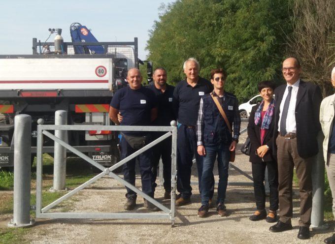 Si recuperano i cancelli agli accessi del parco fluviale del Serchio