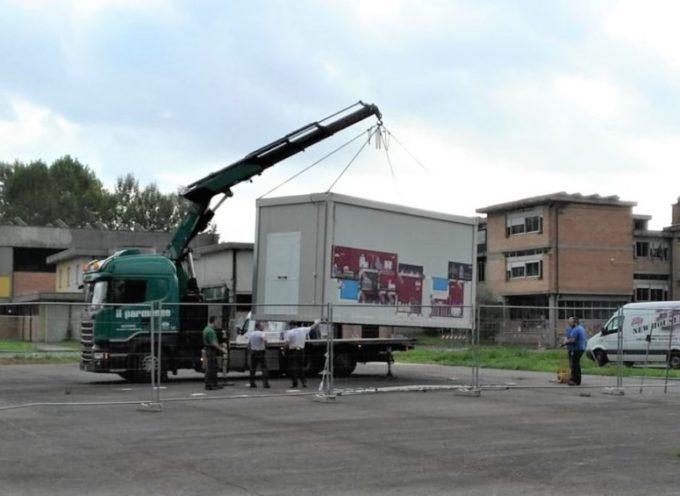 Arrivati i prefabbricati per gli studenti del liceo Majorana di Capannori