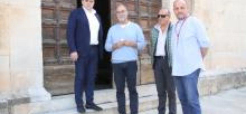 """A PIETRASANTA ARRIVA """"ERRATICO"""", DAL SURREALISMO DI BART HERREMAN ALLE DESTABILIZZAZIONI DI UMBERTO CAVENAGO."""