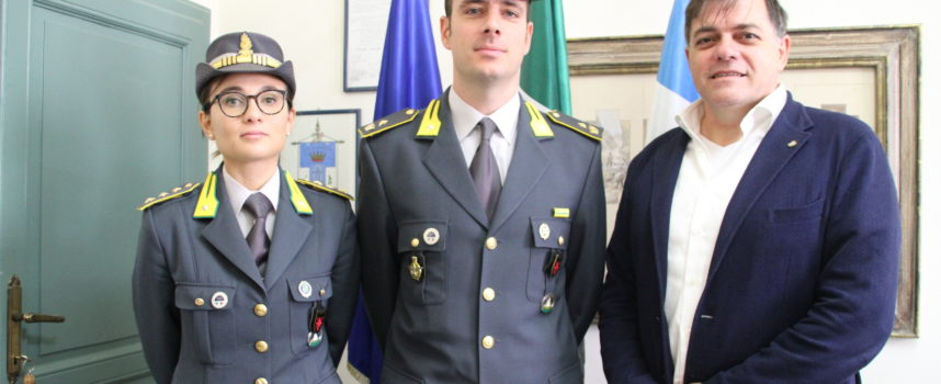 Pietrasanta – Il nuovo Comandante della GdF, Armando Modesto, incontra il Sindaco