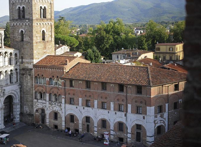 Banca del Monte di Lucca apre la sede con visite guidate ed eventi