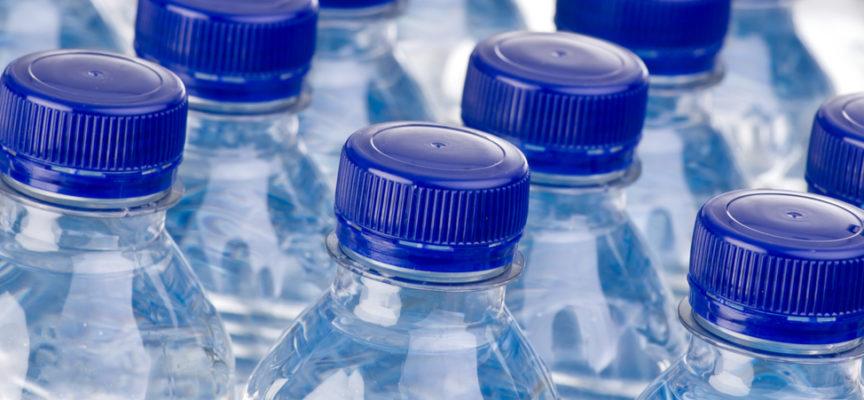 L'acqua nelle bottiglie di plastica è sicura?