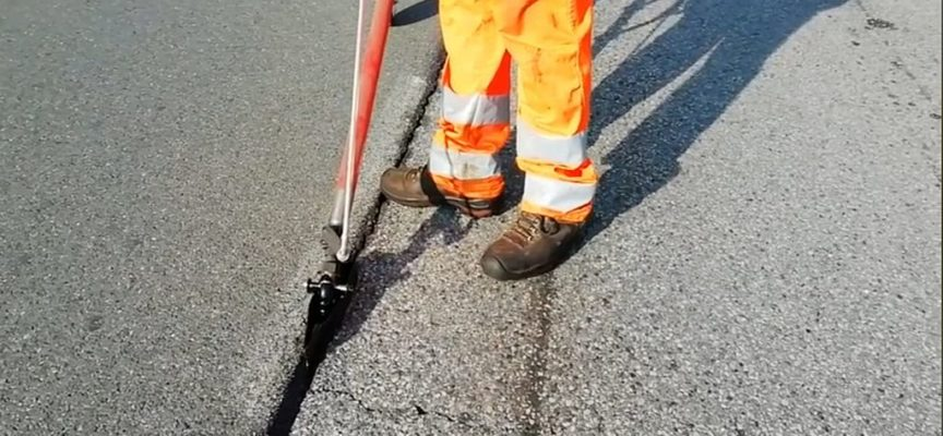 Capannori – A fine ottobre entra in funzione la sigillatrice di crepe: meno buche nelle strade