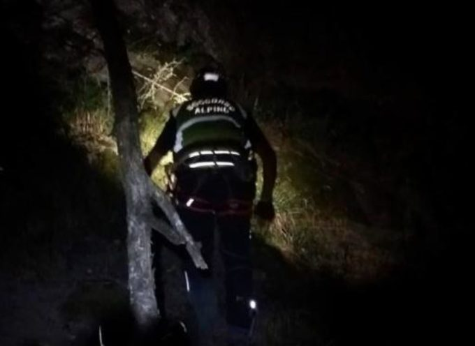 I tecnici del Soccorso Alpino Toscano della stazione di Lucca mobilitati per due escursionisti ubriachi