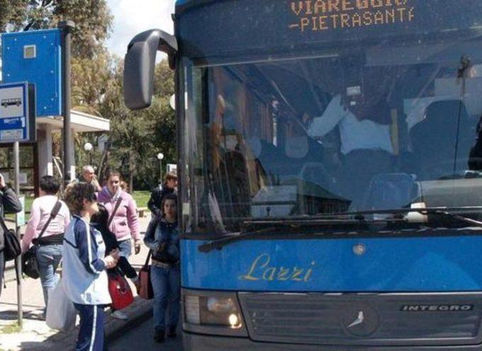 Versilia, pochi i bus per gli studenti;