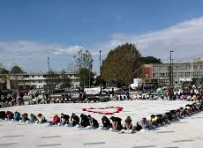 """""""Imparare a salvare una vita"""", un corso per gli studenti in piazza Aldo Moro"""