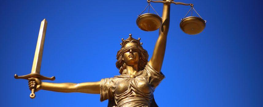 Bagno negato al quattordicenne: cosa dice la Legge