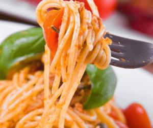 in Europa è allerta per la pasta dall'Italia contaminata da insetti. La terribile scoperta in Danimarca e Islanda