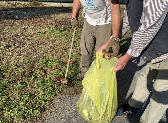 Il sabato dell'ambiente è andato in scena nella piana lucchese: centinaia di volontari impegnati per eliminare la plastica dai corsi d'acqua