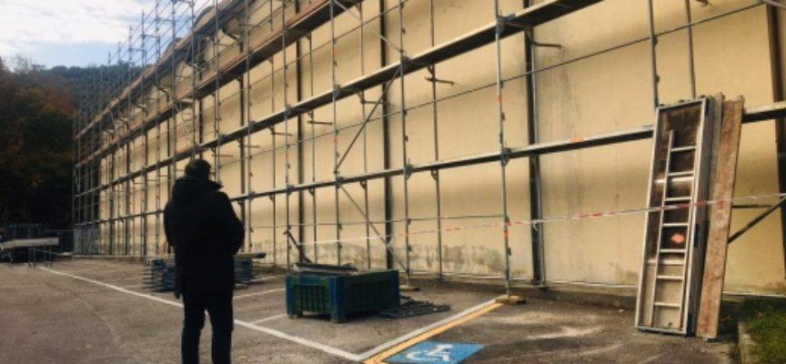 Cimiteri: Strettoia, aperto cantiere per la rimozione amianto coperture