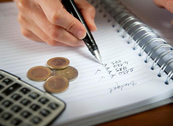 Risparmiare denaro tutti i mesi: tanti lo pensano, ma pochi ci riescono