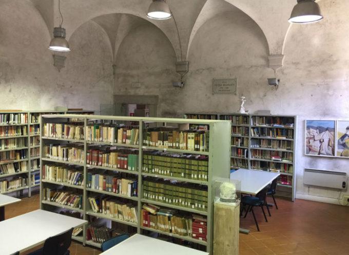 """Libri sotto l'albero e Maratona di lettura in versione """"Christmas"""": la Biblioteca comunale di Seravezza è già in clima natalizio"""