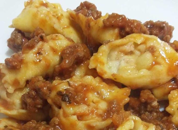 Street Food di Garfagnana Terra Unica sarà la presenza dell' U.S. Castelnuovo Garfagnana con i suoi TORDELLI AL RAGU' .