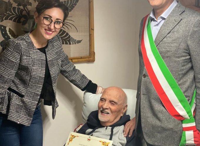 Gli auguri per i 104 anni di Bartolo Barsanti