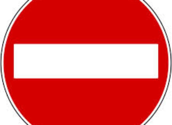 da alcuni minuti è chiusa al transito veicolare in entrambi i sensi la strada provinciale n. 47 di Canottola (al km 0+800) nel comune di Castiglione di Garfagnana