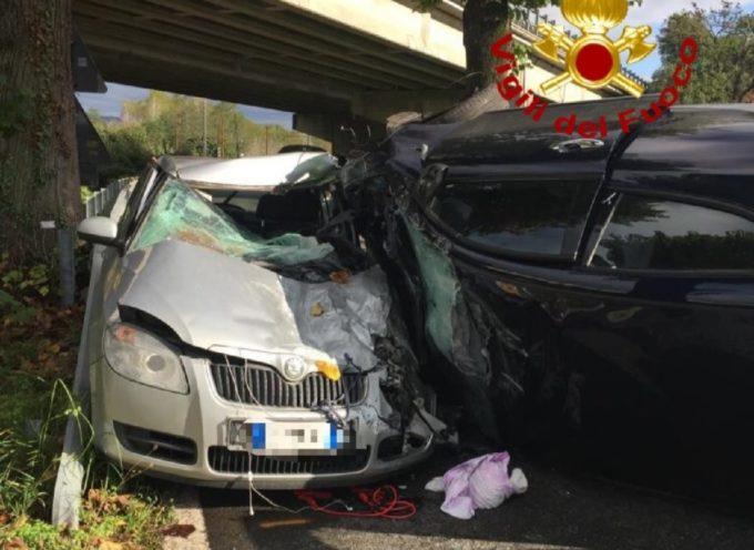 Grave incidente stradale a Ripafratta; tre feriti