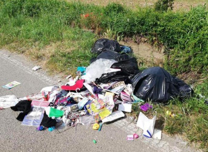 Sanzionato un extracomunitario dell'Est per abbandono dei rifiuti e mancata conversione della patente dalla polizia municipale di Pescia