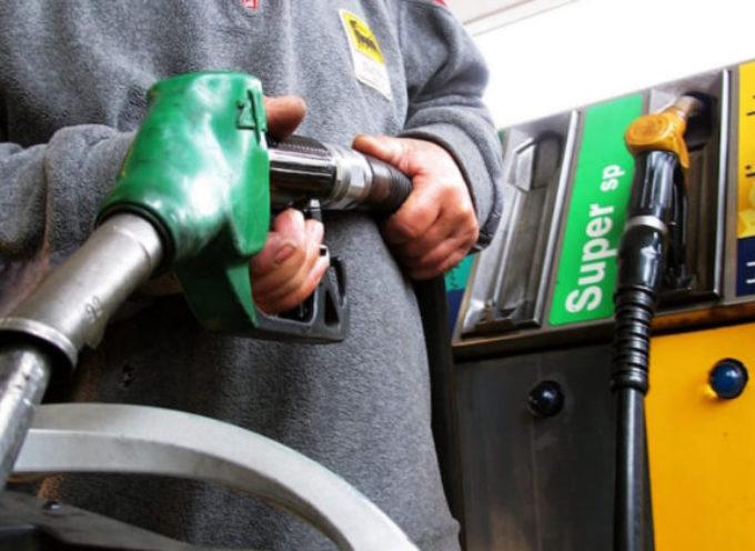 Benzinai contro la manovra: confermato sciopero nazionale dei benzinai 6 e 7 novembre