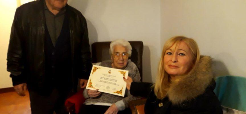 Massarosa – Centenari, auguri e attestato dell'amministrazione alla signora Rosa Balducci