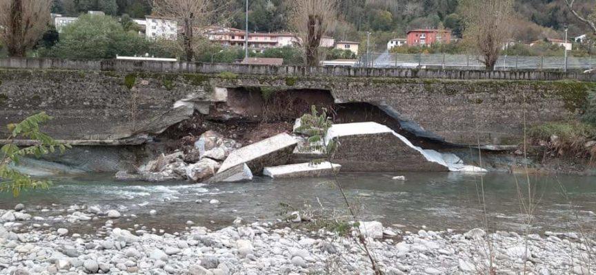 Castelnuovo, si stacca muro di contenimento al parcheggio degli impianti sportivi