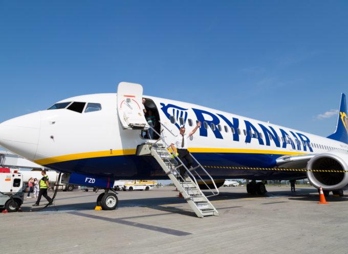 Tre aerei di Ryanair sono stati messi fuori servizio a causa di crepe nella struttura