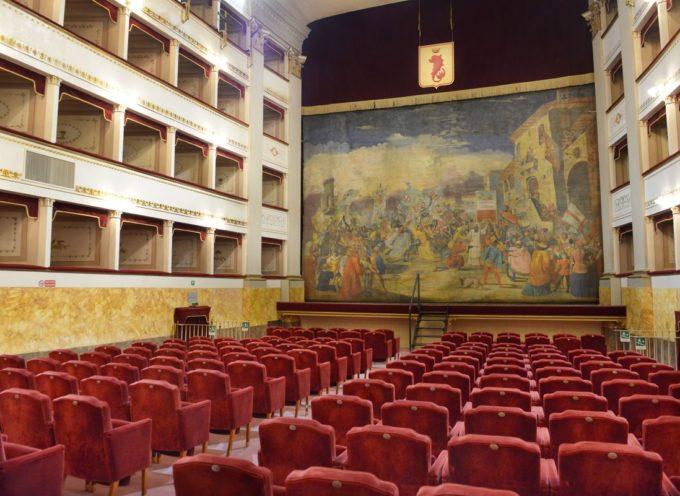 Al teatro Pacini l'assemblea delle aziende degli Alberghi per parlare di sgravi fiscali.