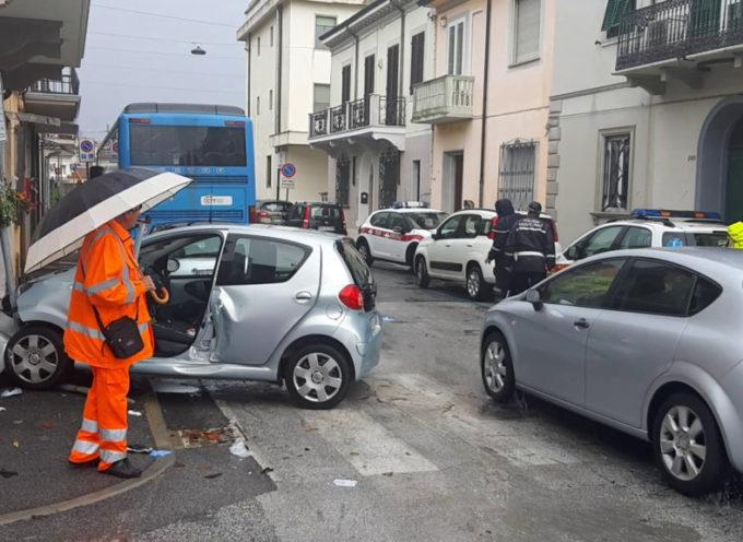 Auto contro pullman: 38enne trasportata a Cisanello in codice rosso