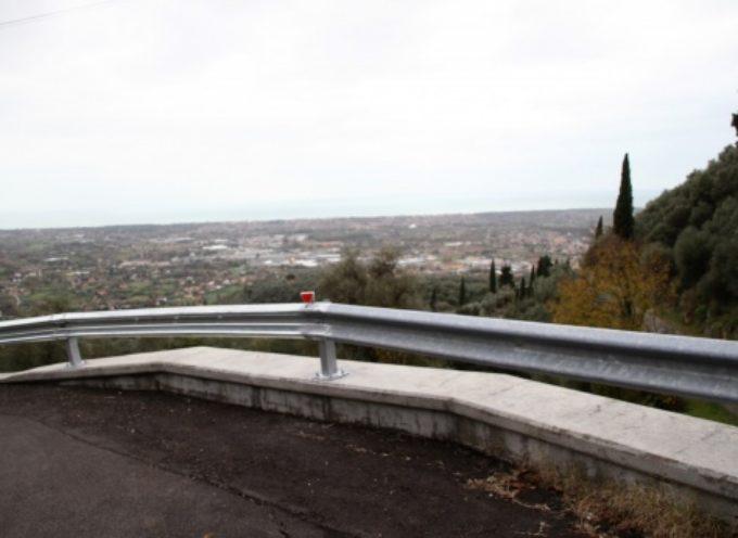 installato guard-rail via Capezzano Monte, iniziati i lavori in via Tre Luci
