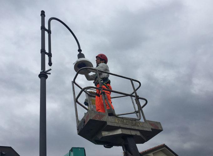 SERAVEZZA – Illuminazione stradale: in corso l'installazione delle lampade a led su tutto il territorio comunale.