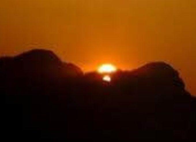 domenica 22 dicembre  torna la magia del Sole nel solstizio d'inverno con la sua alba e tramonto sulle Apuane.