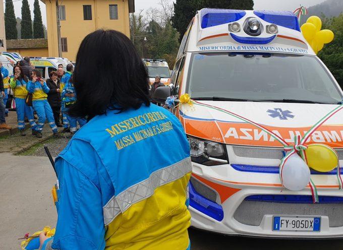 la nuova ambulanza della Misericordia di Massa Macinaia