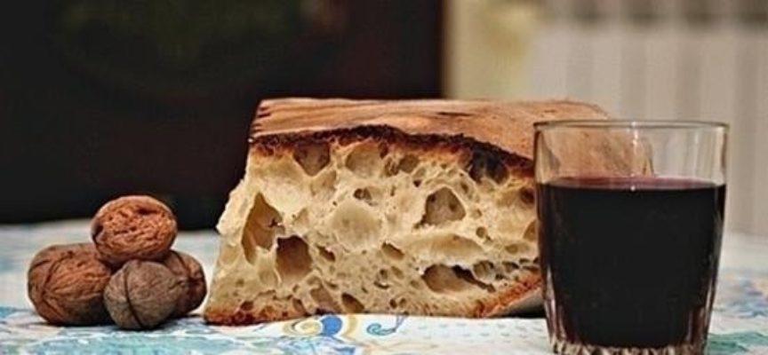 """"""" Buon pane e buon vino aiutano a far cammino."""""""