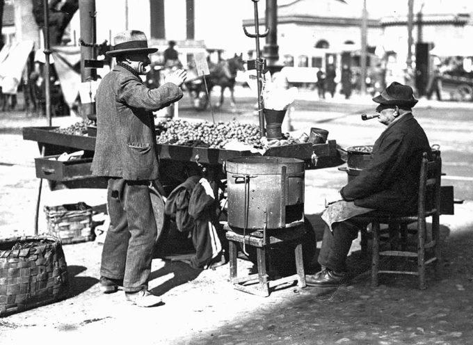 Gli antichi mestieri: il venditore di castagne.