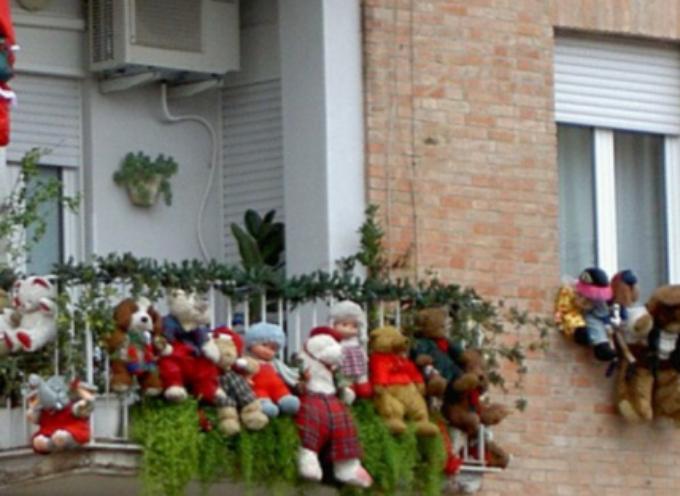 Addobbi di Natale e condominio, ecco quando possono essere vietati