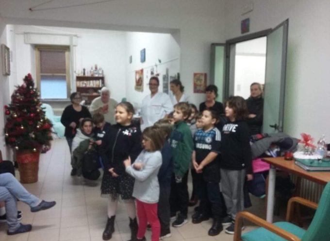I bambini del catechismo di Seravezza in visita a Villa San Lorenzo, a Seravezza