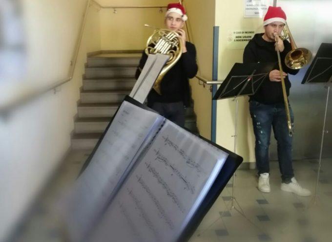 """Castelnuovo Garfagnana : musica in ospedale con i """"Diffusion Brass Quintet"""""""