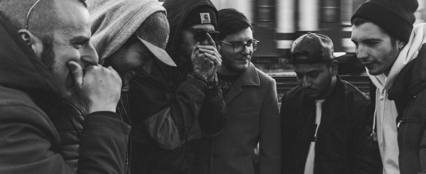 Solitudini – In uscita il nuovo brano di Strane Radici, sei artisti versiliesi che fondono insieme i loro stili