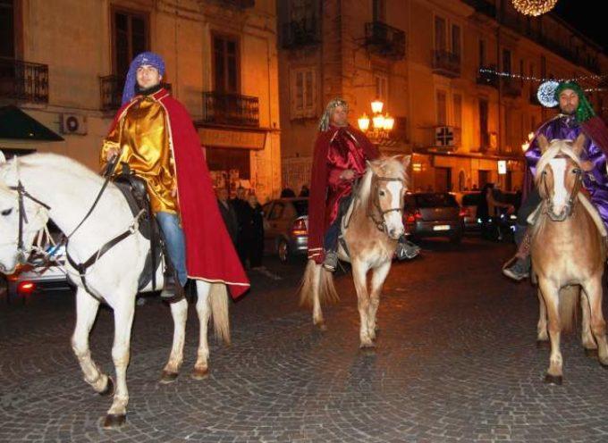 lucca – Arrivano i Re Magi a cavallo
